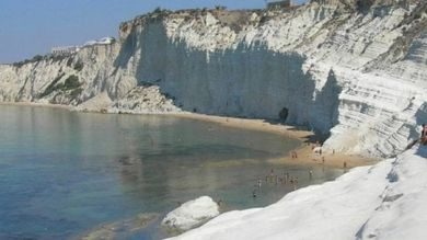 Photo of Sequestrata la Scala dei Turchi, indagato proprietario area